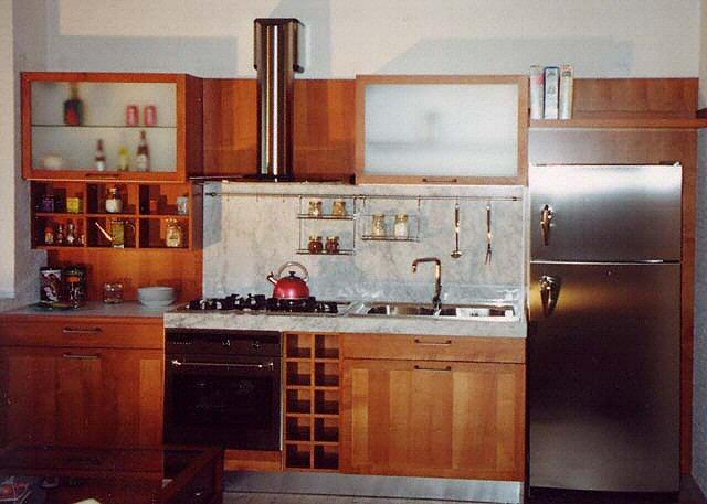 cuisine plan de travail de cuisine classique clair en marbre. Black Bedroom Furniture Sets. Home Design Ideas