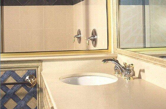 salle de bain plan de travail de salle de bain classique. Black Bedroom Furniture Sets. Home Design Ideas