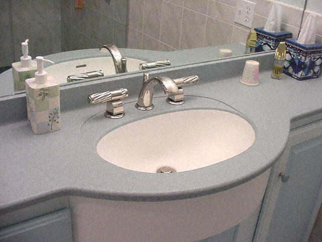 salle de bain plan de travail de salle de bain classique fonc en corian. Black Bedroom Furniture Sets. Home Design Ideas