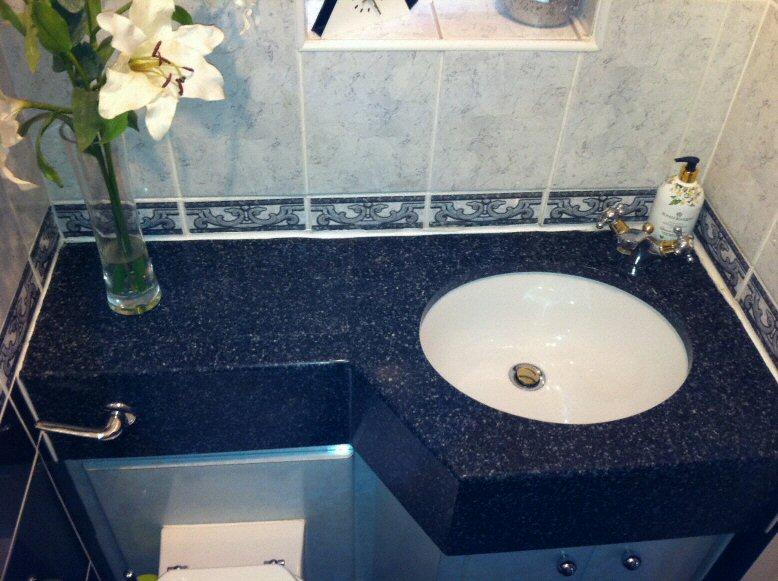 Salle de bain plan de travail de salle de bain classique fonc en corian - Corian salle de bain ...