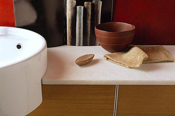 Salle de bain plan de travail de salle de bain moderne clair en marbre - Plan salle de bain moderne ...