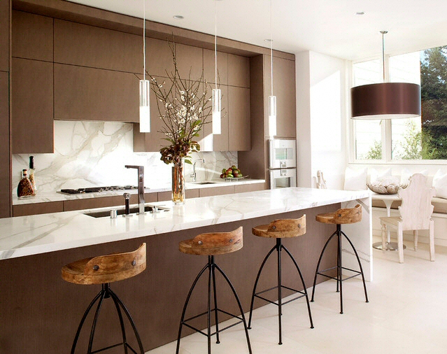 Cuisine plan de travail en lot de cuisine moderne clair en marbre - Plan de travail cuisine en marbre ...