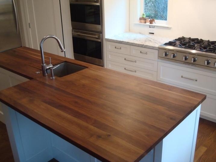 Cuisine zone d 39 vier de cuisine classique fonce en bois for Plan de travail bois massif pas cher