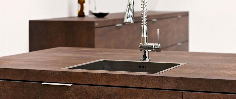 cuisine zone d 39 vier de cuisine moderne fonc e en c ramique. Black Bedroom Furniture Sets. Home Design Ideas