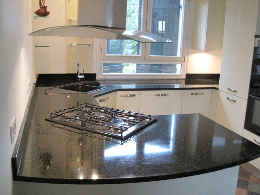 Vier cuisine granit interesting granite countertop idea for Evier dans un angle
