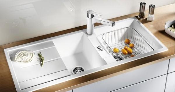 Cuisine evier de cuisine blanc 1000 id es sur la for Evier rond resine