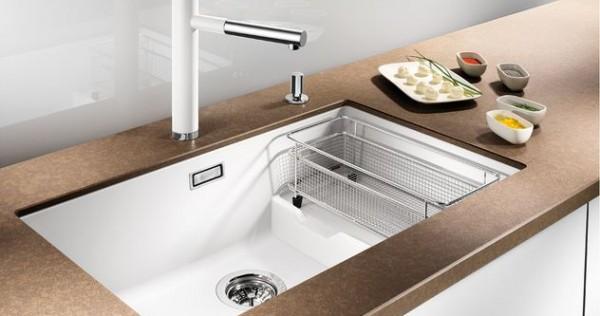 Cuisine evier de cuisine blanc 1000 id es sur la for Evier blanc cuisine