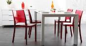 Tables, chaines et tabourets de cuisine