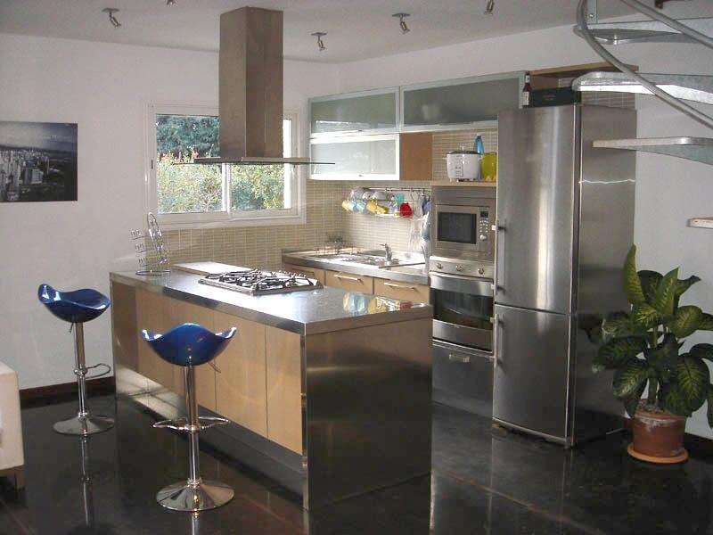 Plan de travail cuisine for Cuisine noir et inox