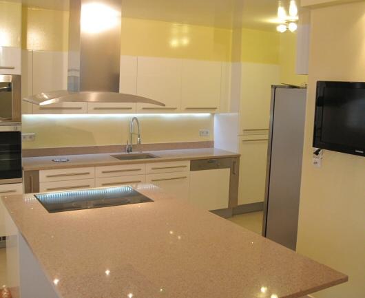 plan de travail quartz silestone plan de travail. Black Bedroom Furniture Sets. Home Design Ideas